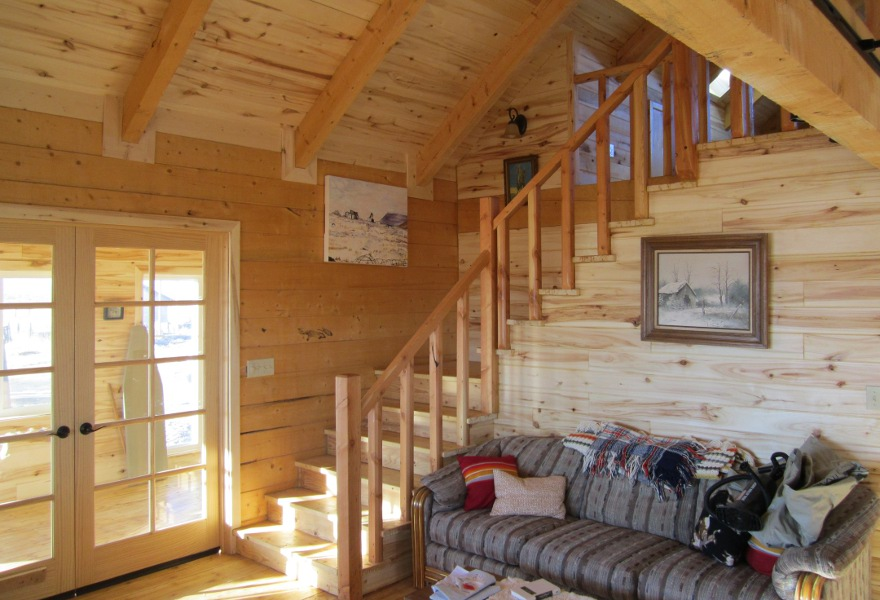 Comlog cabin homes interior crowdbuild for Interior cabin designs